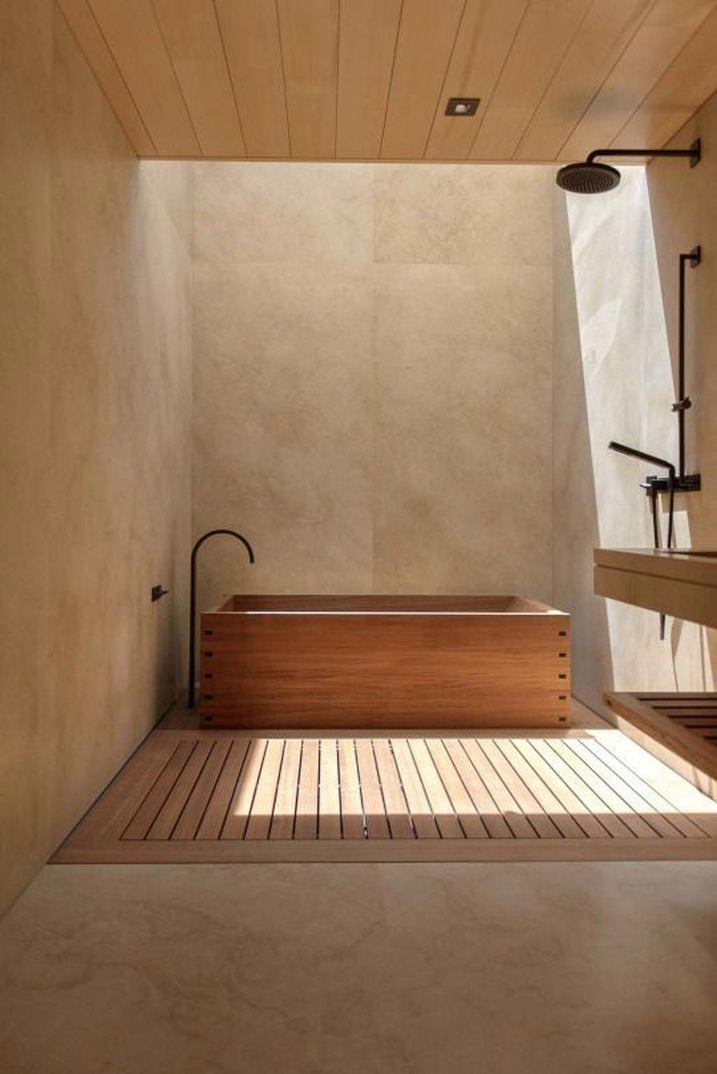 Phòng Tắm Dưới Giếng Trời